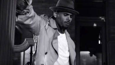 "Chris Brown nel video ""Hope You Do"""