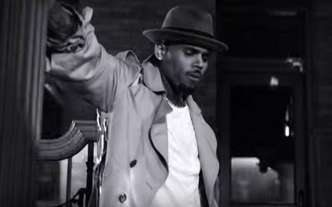 "Chris Brown nel video ""Hope You Do"""