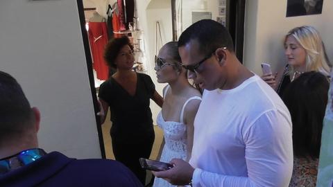 J-Lo insieme al suo compagno per le stadine di Capri