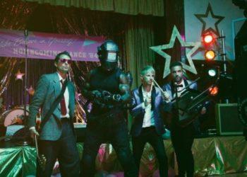 I Muse nel video di Pressure