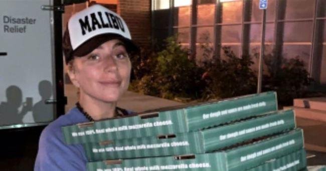 Lady Gaga consegna le pizze