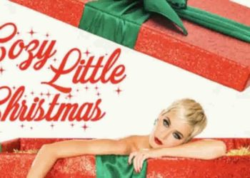 Katy Perry nella cover di Cozy Little Christmas