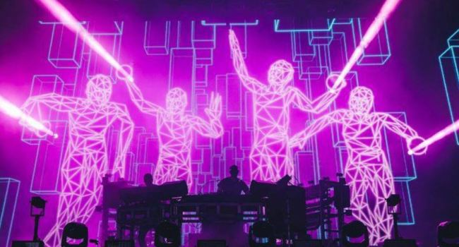 the chemical brothers screen sul palco
