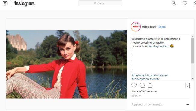 Screenshot del profilo Instagram Wildside che annuncia la serie tv su Audrey Hepburn