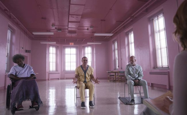 Samuel L. Jackson, Bruce Willis, Sarah Paulson, e James McAvoy in Glass