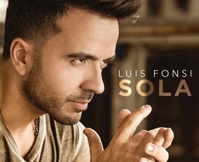 Luis Fonsi nella cover di Sola