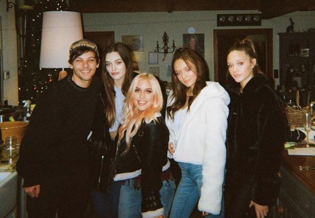 Louis Tomlinson con la famiglia