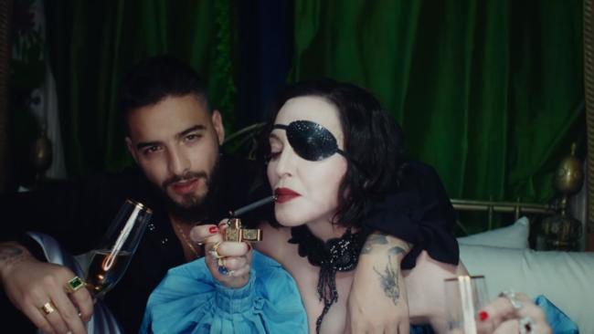 Madonna e Maluma nel video di Medellin