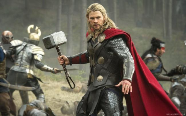 Tutti i film della Marvel - Chirs Hemsworth in Thor: The Dark World