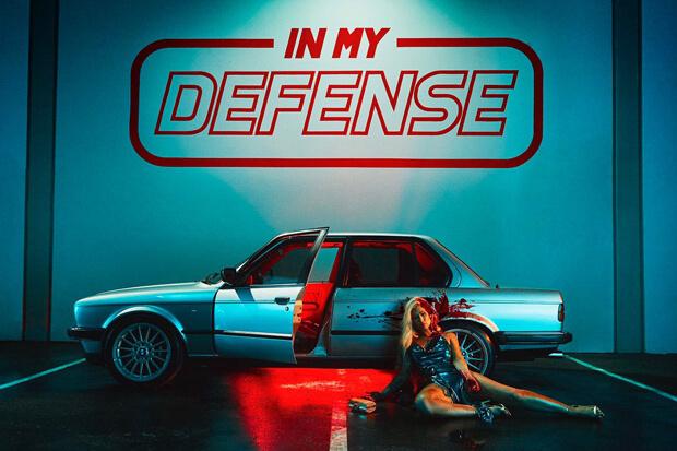 Iggy Azalea nella cover di In My Defense