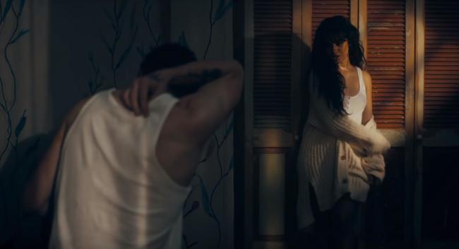 Camila Cabello e Shawn Mendes nel video di Senorita