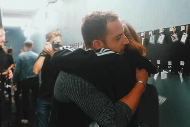 James Morrison e Francesca Michielin abbraccio nel backstage