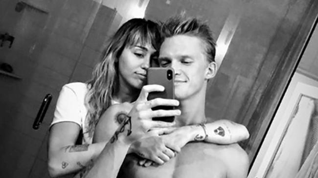 Miley Cyrus insieme a Cody Simpson