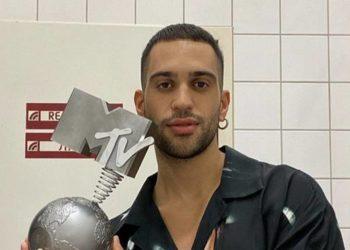 Mahmood vince agli EMA 2019