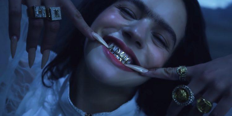 Rosalía nel video di A Palè