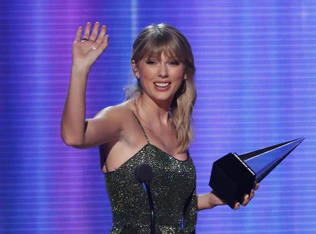 Taylor Swift la più premiata agli American Music Awards 2019