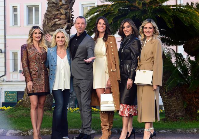 Amadeus e il cast femminile di conduzione di Sanremo 2020