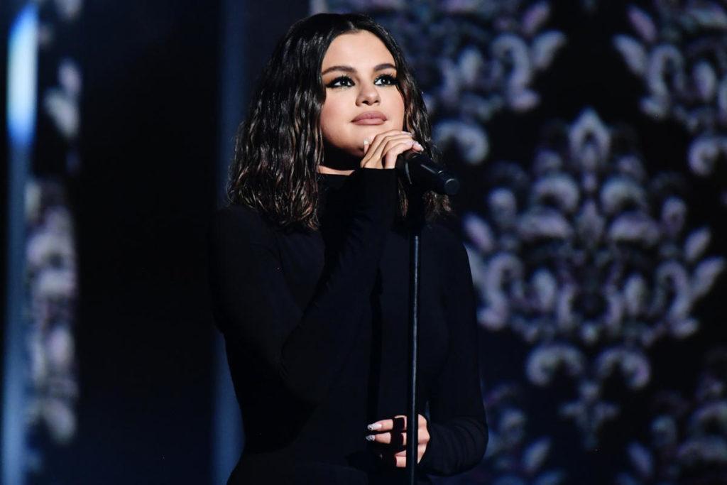 Selena Gomez rilascia il brano Feel Me
