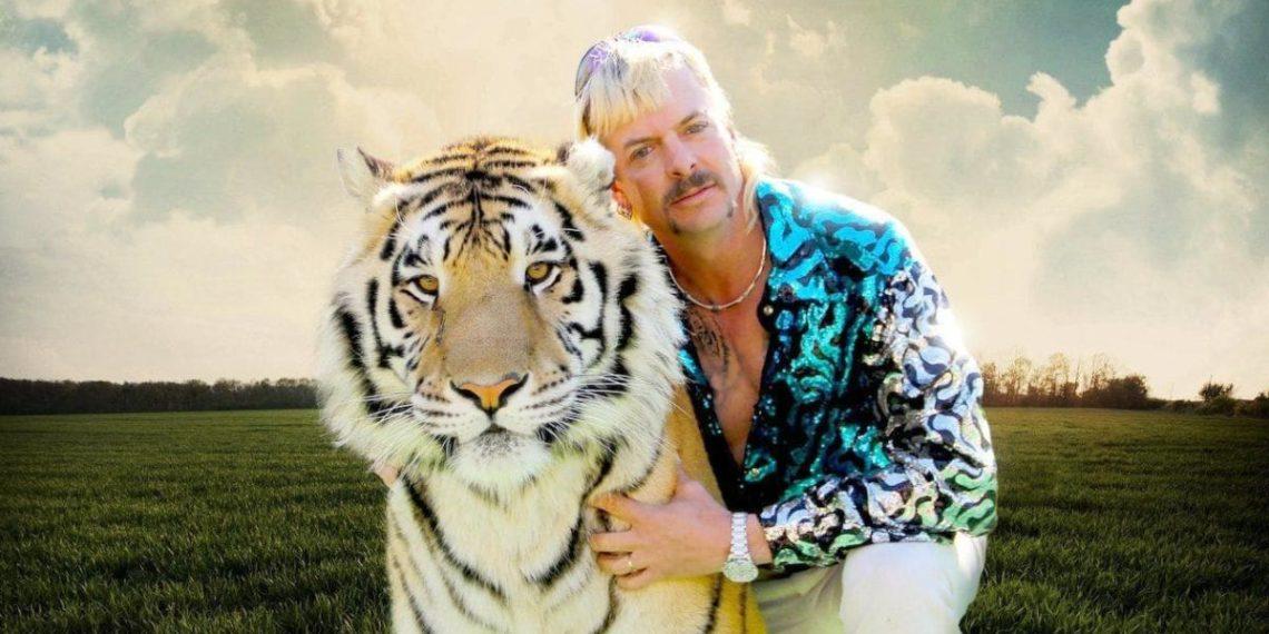 Tiger King Joe Exotic con tigre