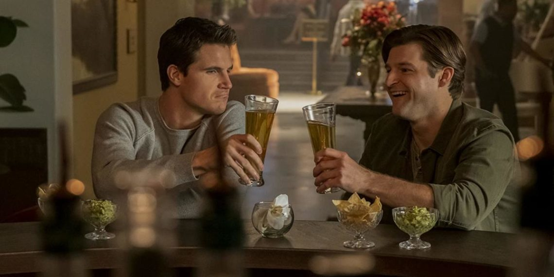 Robbie Amell e Kevin Bigley in Upload