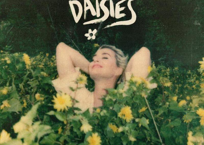 Katy Perry nella cover di Daisies