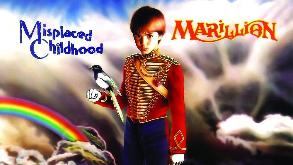"""""""Mispaced Childhood"""" è un concentrato di 41 minuti in cui i Marillion raccontano una storia piena di emozioni, poesia e, soprattutto, drammaticità."""