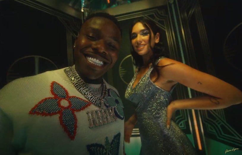 Dua Lipa e DaBaby nel video di Levitating