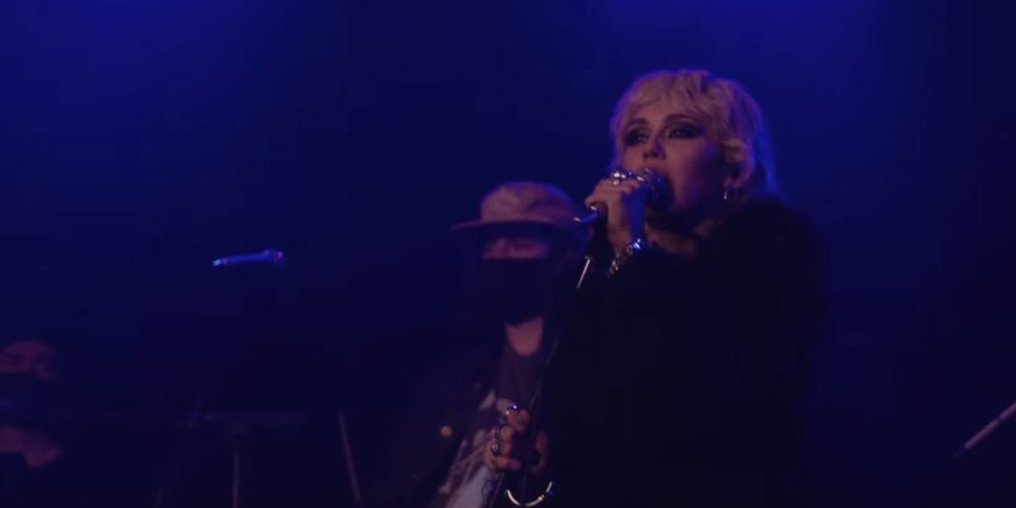 Miley Cyrus Cover Zombie Cranberries