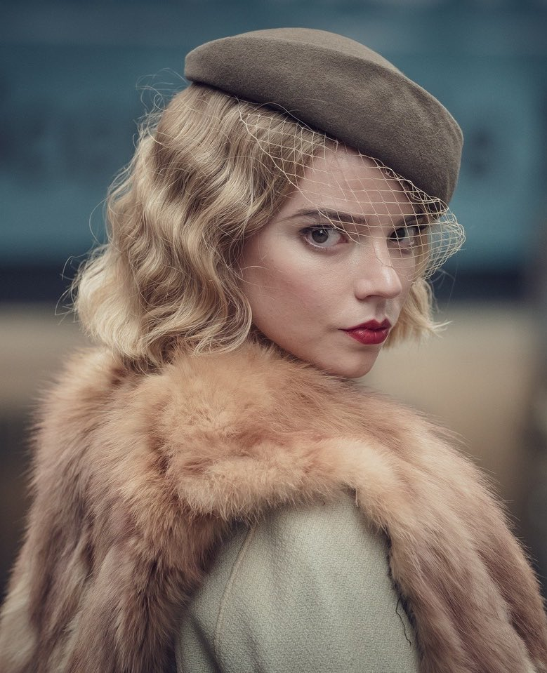 Anya Taylor-Joy sul set della quinta stagione di Peaky Blinders