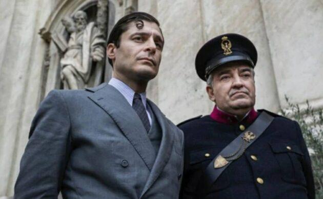 Lino Guanciale è il commissario Ricciardi
