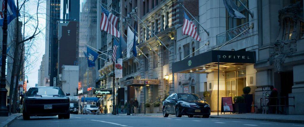 L'hotel di NYC, Strauss-Kahn
