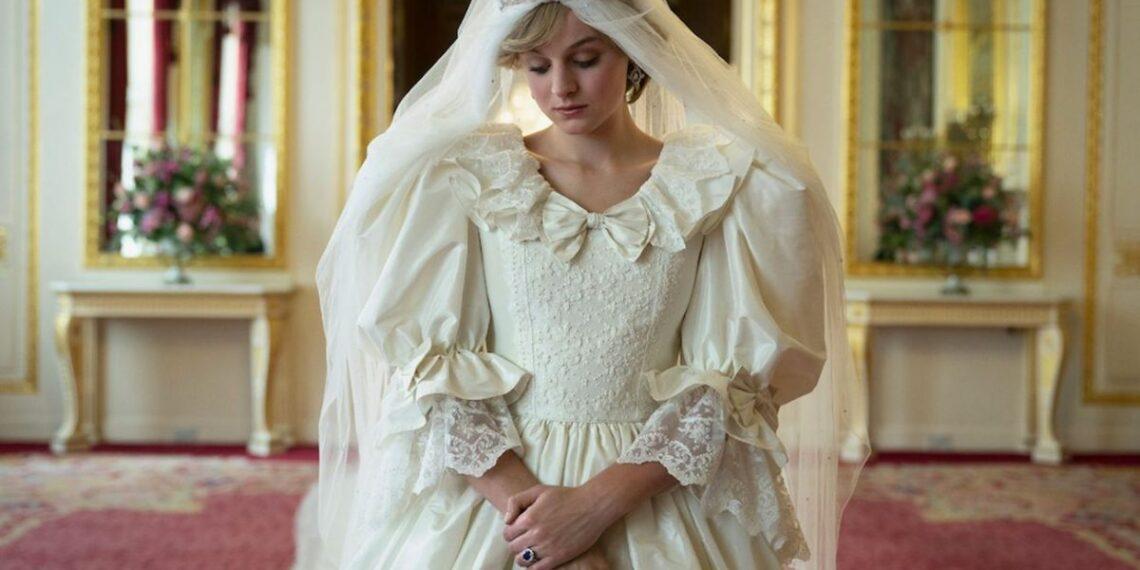 Emma Corrin è Lady Diana