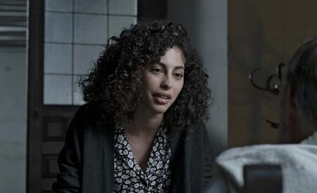 L'attrice Mina El Hammani in una scena di El Internado: Las Cumbres