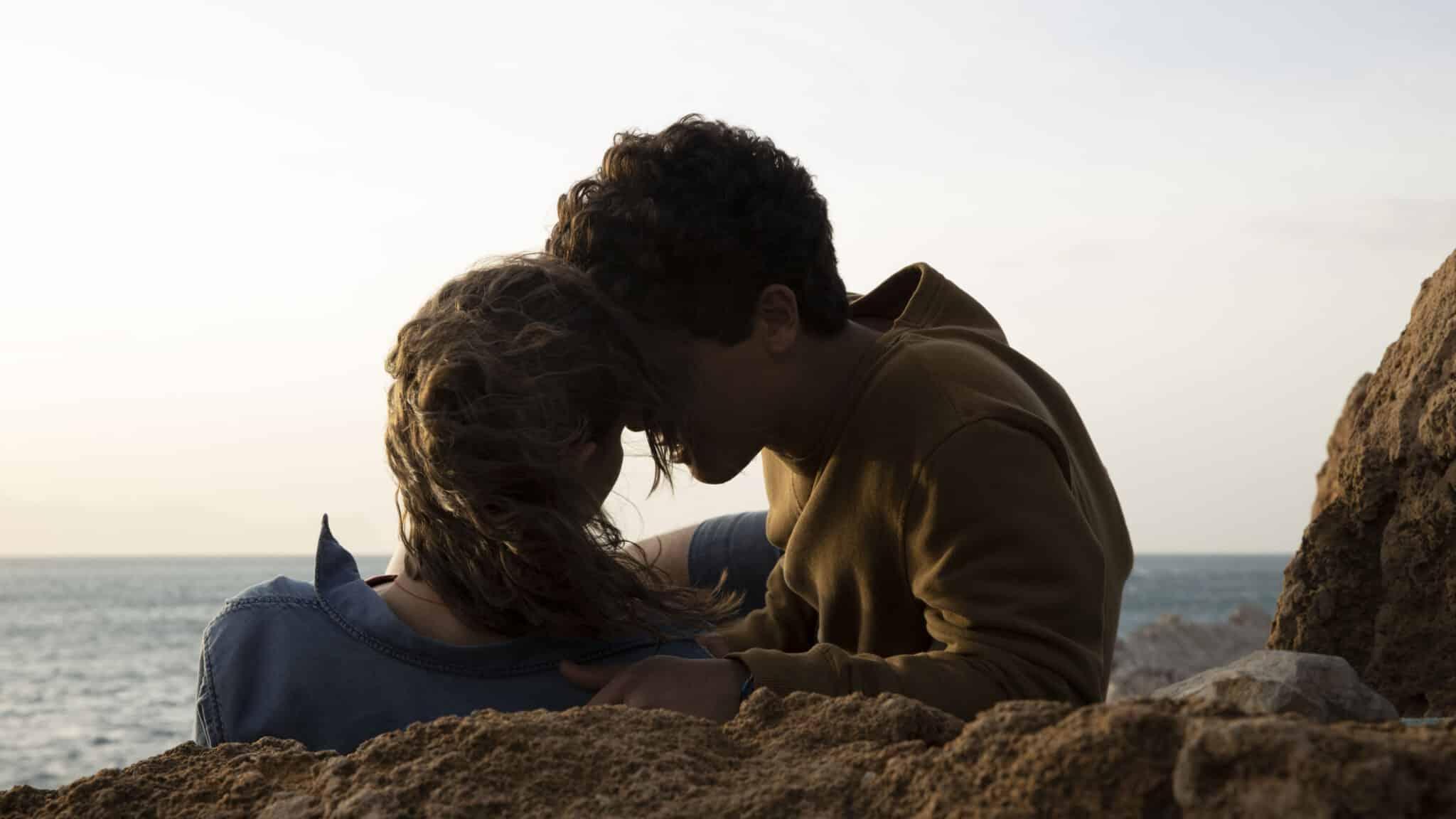 In arrivo su Netflix il film Sulla stessa onda: la trama, il cast ed il  trailer
