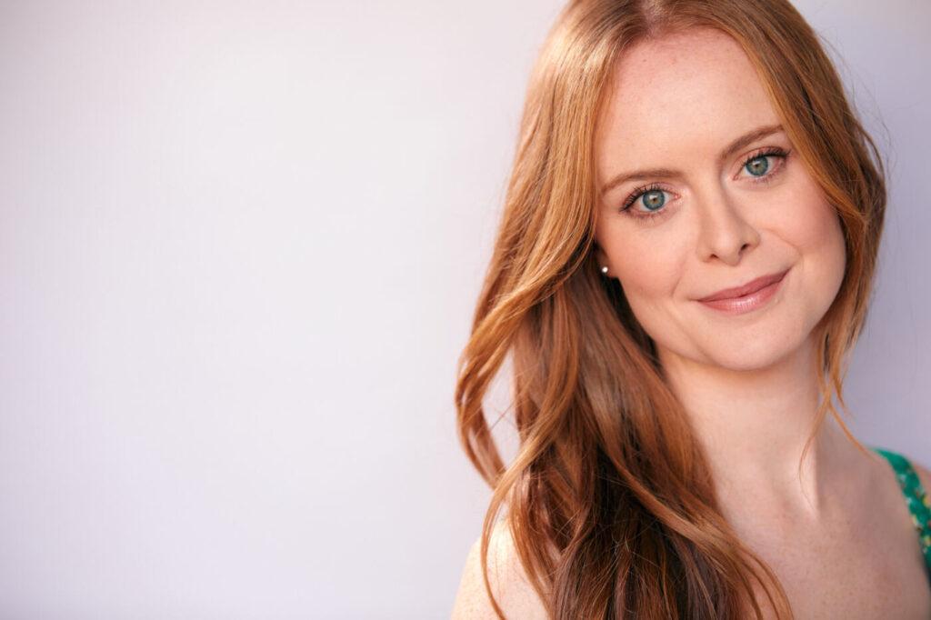 Eliza Helm attrice