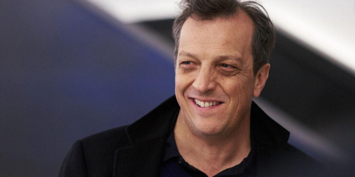 Il regista Gabriele Muccino girerà la serie tratta dal film A casa tutti bene