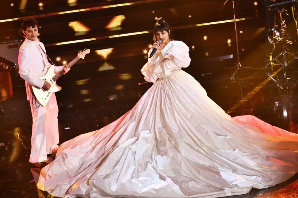 La rappresentante di lista chiude Sanremo in grande con un meraviglioso abito di Valentino