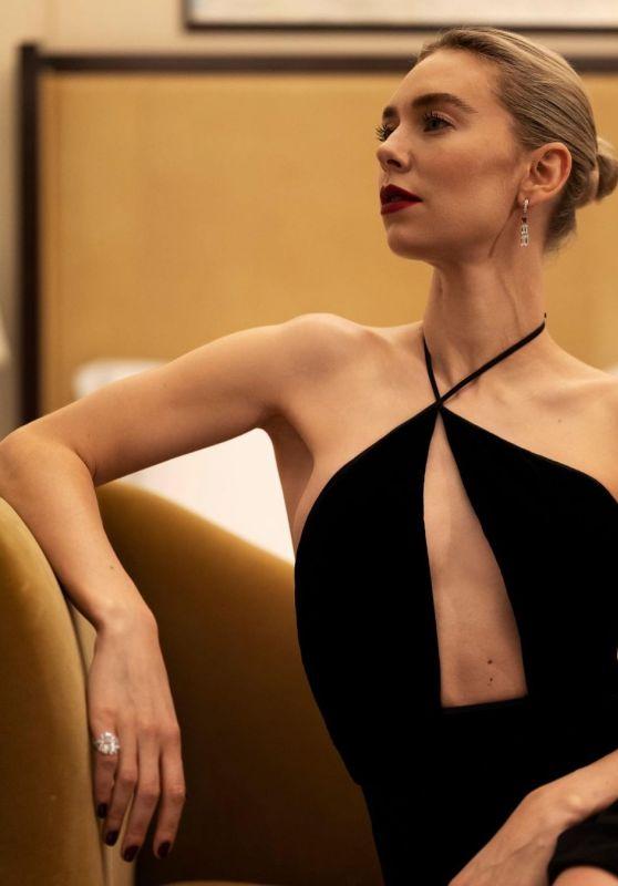 Vanessa Kirby per i Golden Globe 2021, presenziati a distanza