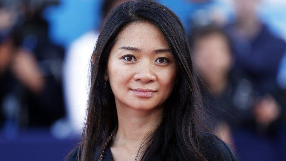 La regista Chloé Zhao