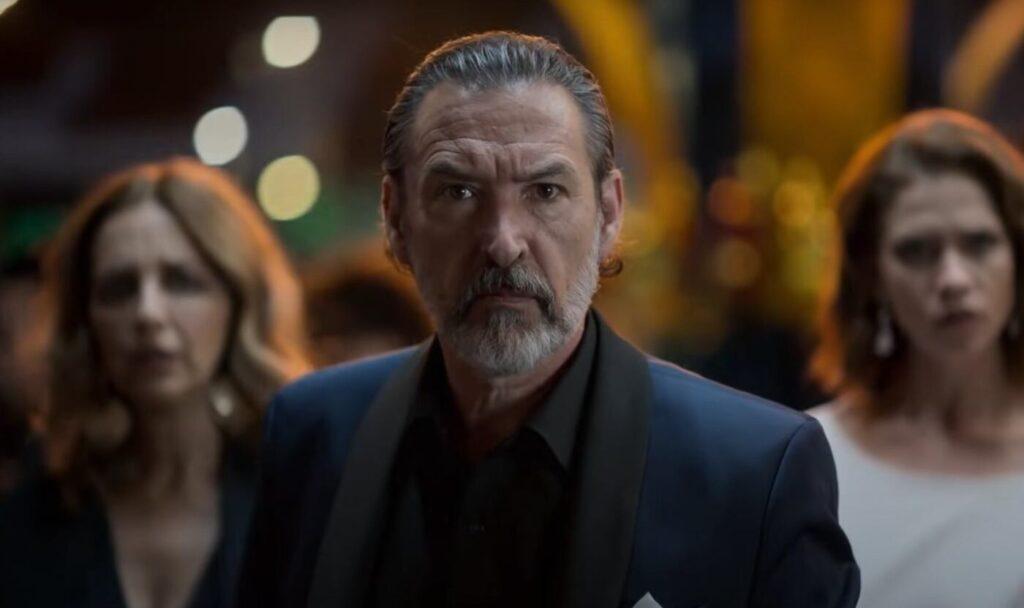 Don Cesar Lazcano in Che fine ha fatto Sara?