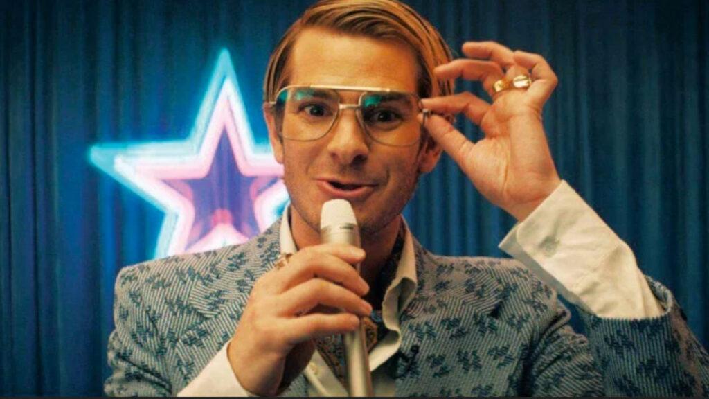 Andrew Garfield in una scena del trailer di Mainstream
