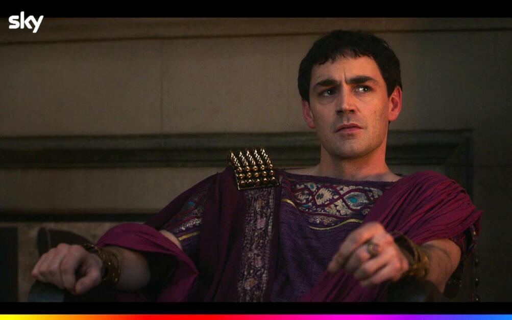 Matthew McNulty nel ruolo di Gaio Giulio Cesare Augusto