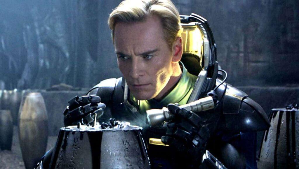 L'attore Michael Fassbender in una scena di Prometheus