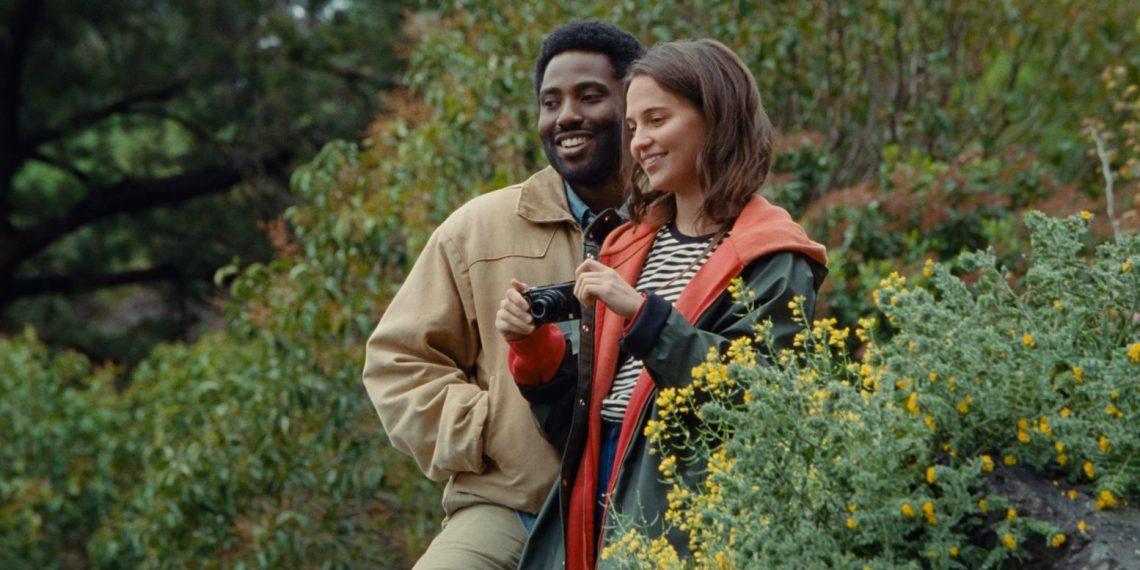 John David Washington e Alicia Vikander in Beckett