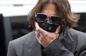 Johnny Depp in un'uscita pubblica a Londra